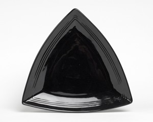 TRIANGLE PLATE BLACK